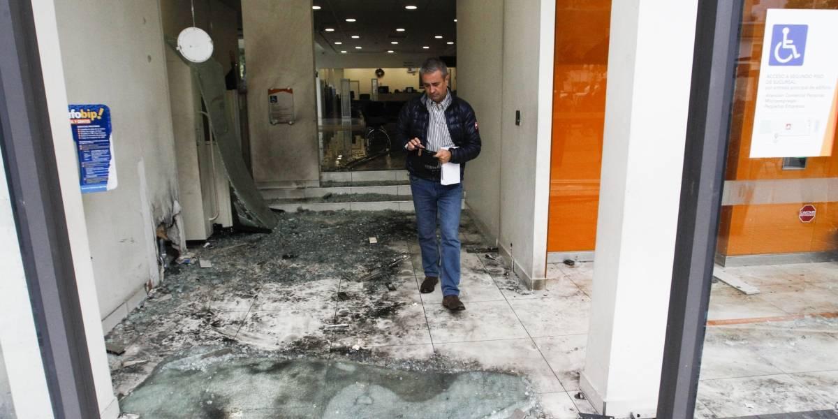 Carabineros asegura que bombazo en Las Condes fue un atentado antisistémico