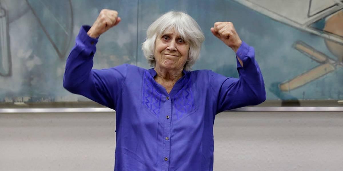Joan Jara recibe reconocimiento por defensa de los Derechos Humanos