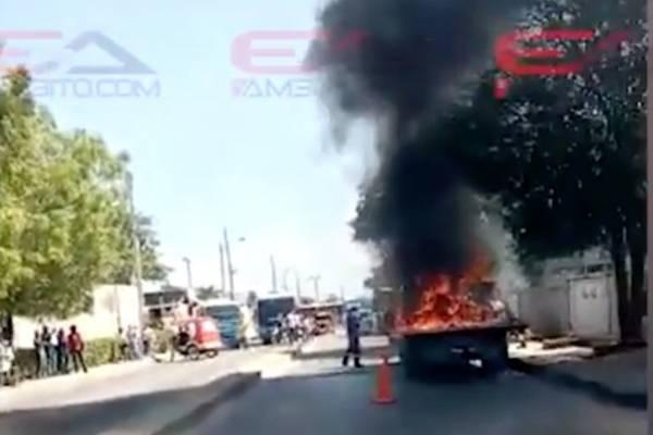 Joven incendió la grúa que se llevaba su moto inmovilizada