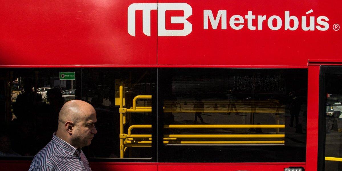 Estaciones cerradas y circuitos especiales en Metrobús por peregrinos