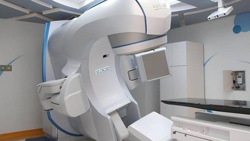 El IMSS compra un destructor de tumores y es tan brutal como suena