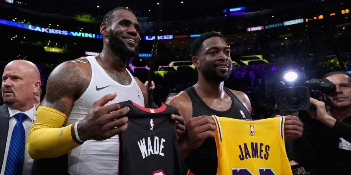 LeBron James despide a Wade con derrota del Heat ante los Lakers