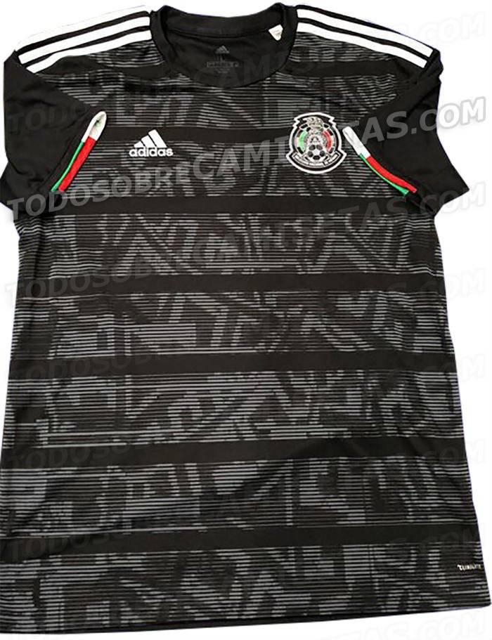 d7127470f495a La nueva camiseta es en color negro como la que utilizaron en el Mundial de  Brasil