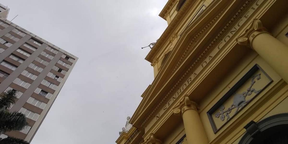 Tiroteo en catedral cerca de Sao Paulo deja 6 muertos