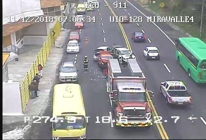 Fuerte congestión vehicular por accidente de tránsito en la avenida Interoceánica ECU 911