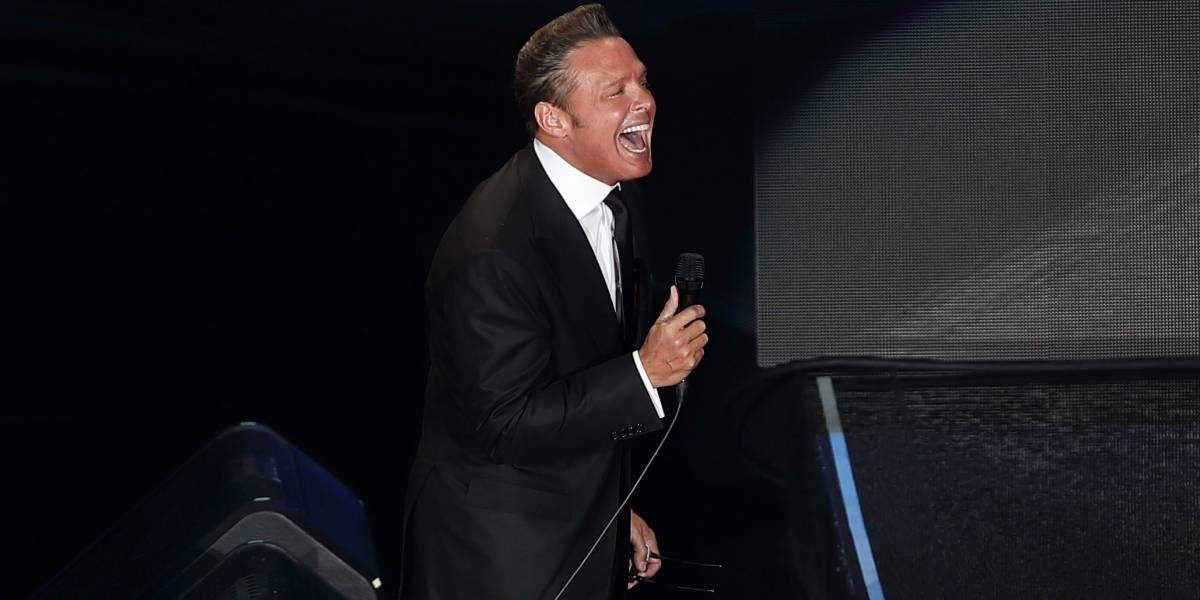 Luis Miguel recibe pifias y críticas por retraso de más de una hora y mal desempeño en concierto