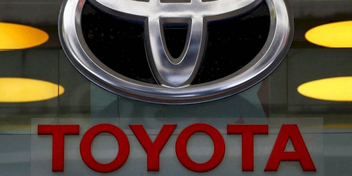 Toyota retira guagua Venza por problema que podría impedir que bolsas de aire se activen en caso de choque
