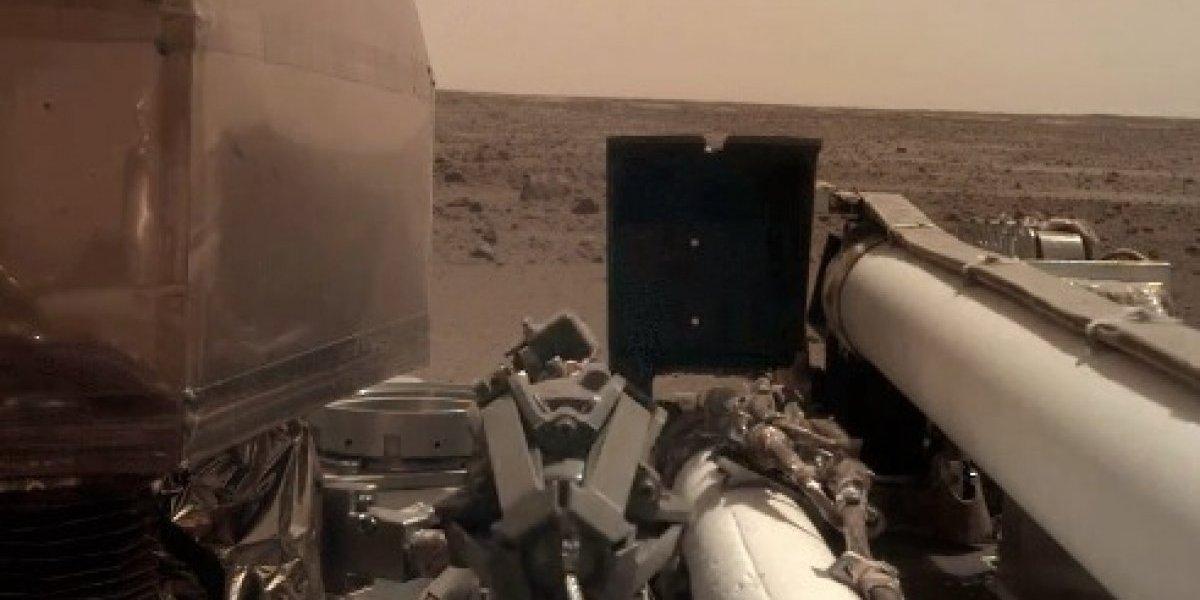 Sonda InSight toma su primera selfie sobre Marte