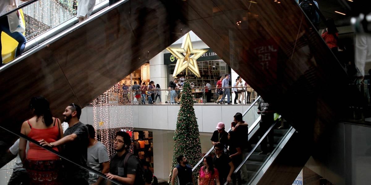 Fin de año: empresas que no respeten feriados irrenunciables de Navidad y Año Nuevo arriesgan multas de más de $241 mil