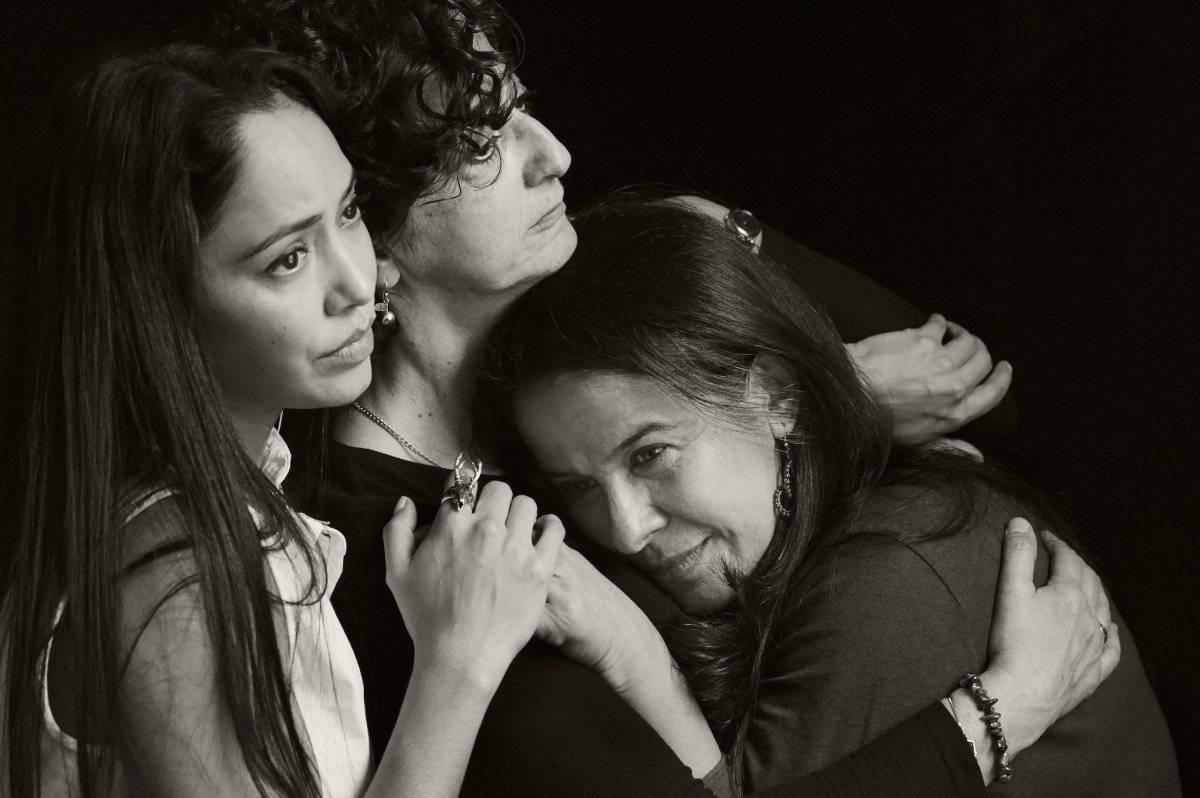 Las tres hermanas pone en jaque la estabilidad moral de una familia provincial que lucha entre la resignación del destino y lograr sus sueños más profundos. Cortesía