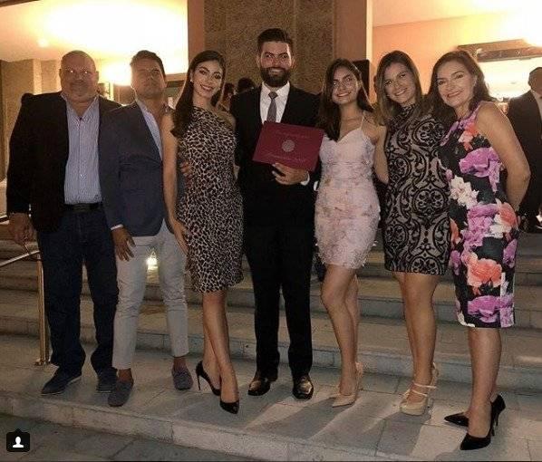 Virginia Limongi y su familia