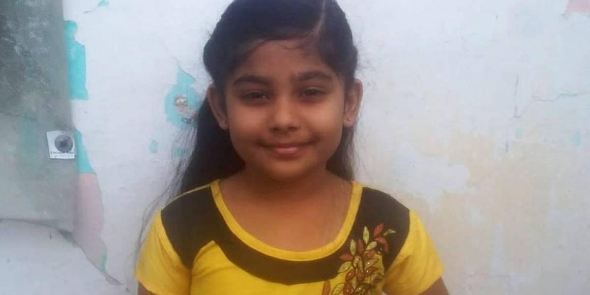 """A menina de 7 anos que """"denunciou"""" o pai à polícia por não construir banheiro em casa"""