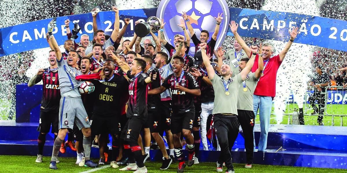Campeão da Sul-Americana, Atlético-PR vai à Libertadores pela 6ª vez