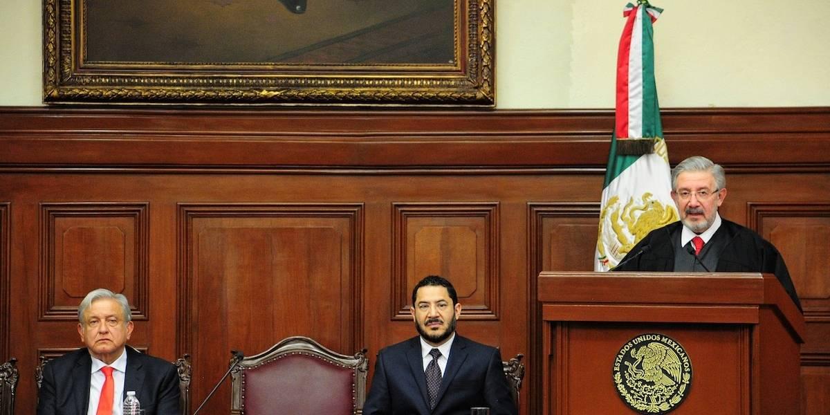 Presidente de la SCJN interrumpe su discurso por problema de salud
