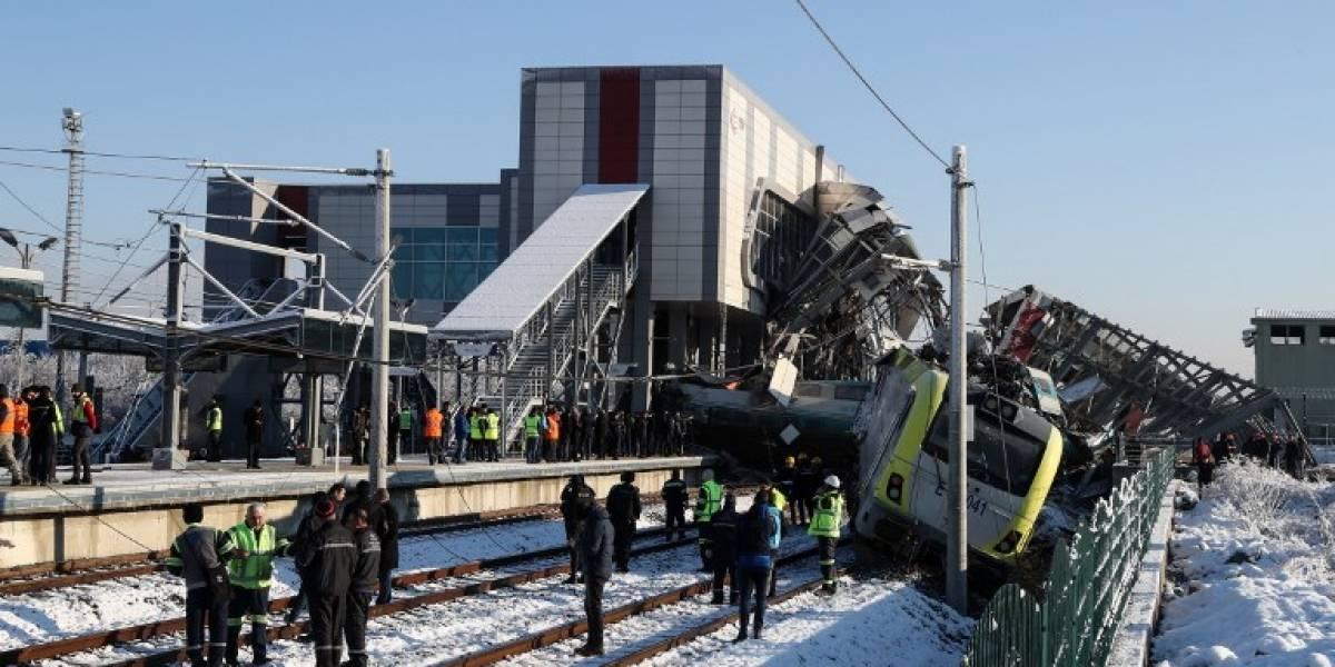Tren de alta velocidad choca en Ankara y deja nueve muertos