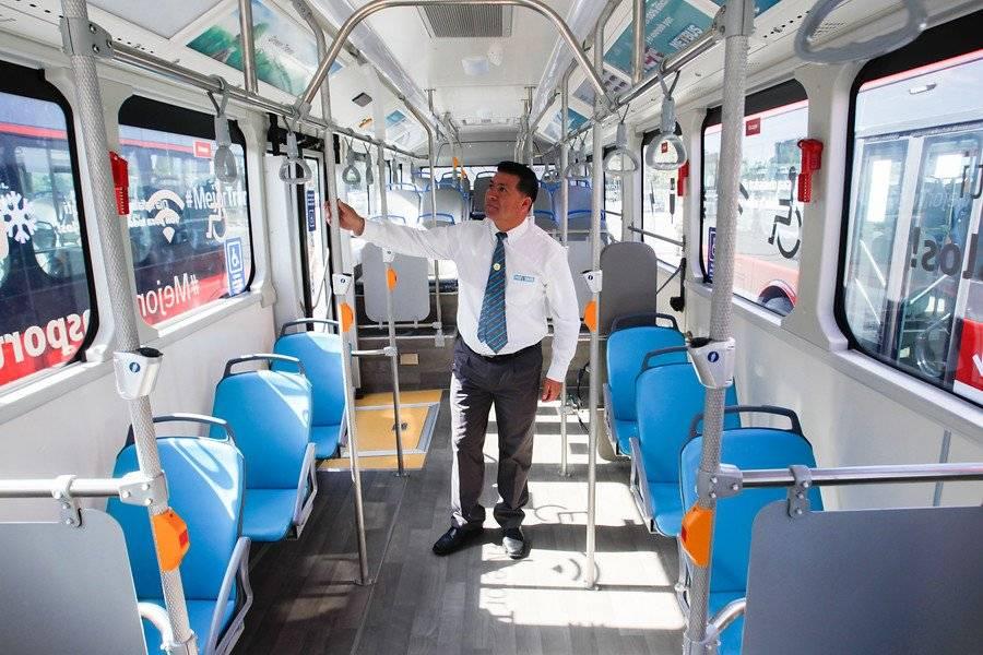 Las micros vienen con 30 asientos y 51 pueden viajar de pie / Aton Chile
