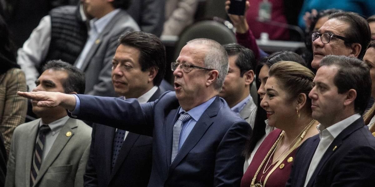 Diputados ratifican a Carlos Urzúa al frente de SHCP