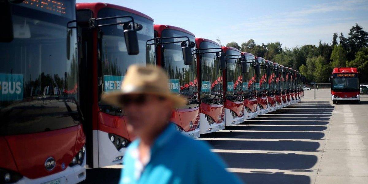 Recorridos, zonas y frecuencias que tendrán los buses eléctricos que se incorporan este sábado al Transantiago