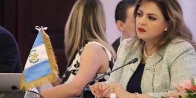 La canciller Sandra Jovel está en Belice en la reunión del SICA
