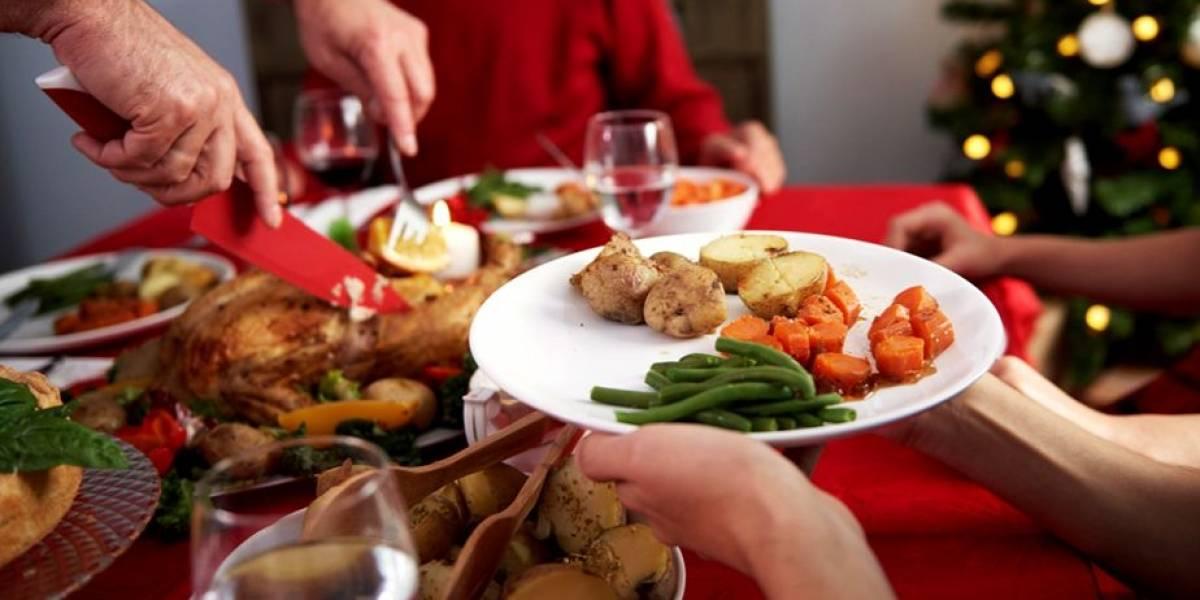 No digas que no te lo advertimos: así influyen las comidas de fin de año en el insomnio y los problemas estomacales