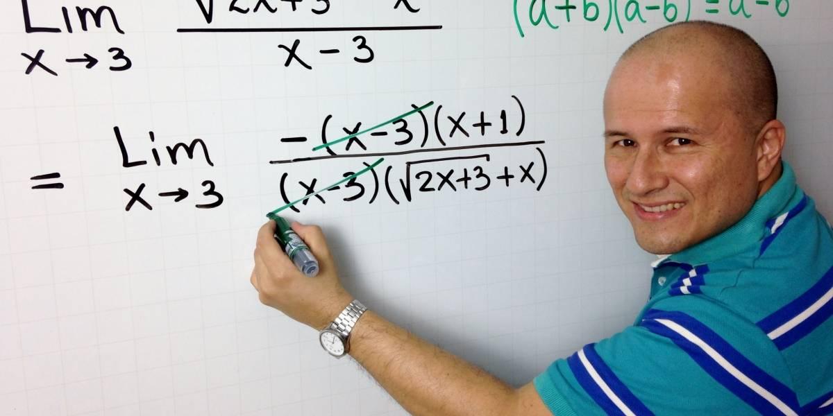 """Julioprofe, el docente que enseña por Youtube: """"Aquí ya todos son protagonistas del aprendizaje"""" [FW Entrevista]"""