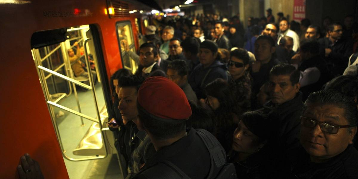 Reportan fallas en varias líneas del Metro de la Ciudad de México