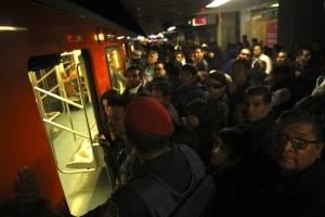 https://www.publimetro.com.mx/mx/noticias/2018/12/13/reportan-fallas-varias-lineas-del-metro-la-ciudad-mexico.html