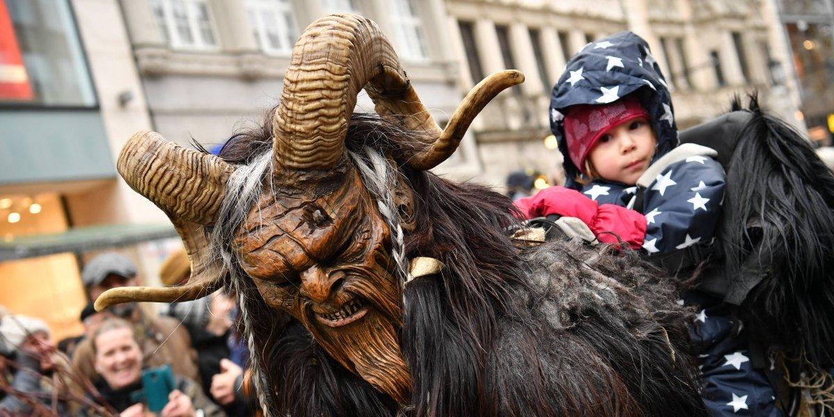 Monstruos navideños se toman Múnich