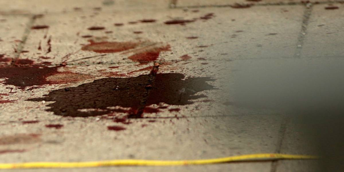 """Caníbal llega a comisaría con una pierna y una mano en una bolsa a entregarse a la policía: """"Estoy cansado de comer carne humana"""""""