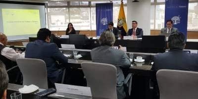 Sesión del Consejo Nacional del Trabajo y Salarios junto a representantes del sector trabajador y empleador, reunión liderada por el Ministro de Trabajo