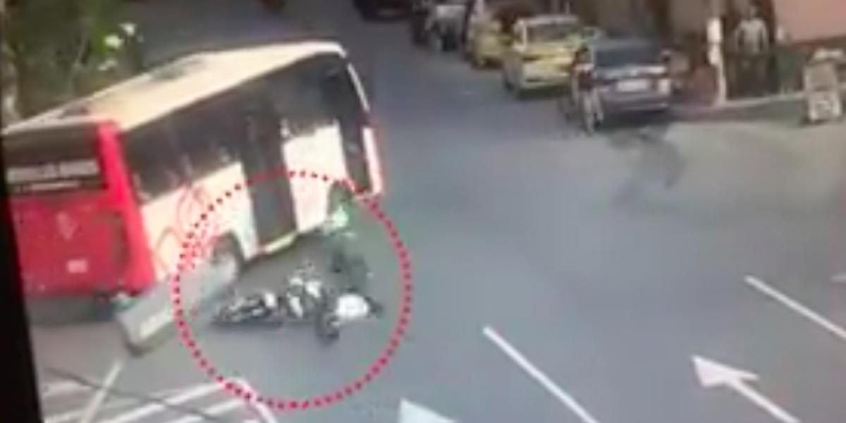 ¡De película! Así detuvo a dos ladrones un policía en Medellín