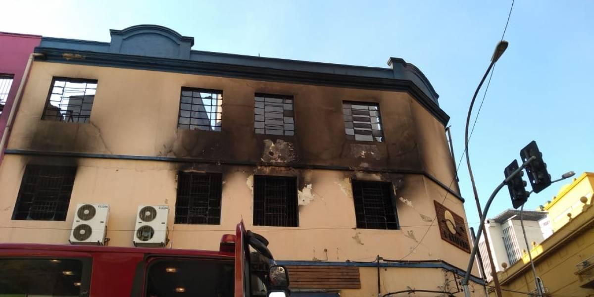 Fachada de prédio que pegou fogo no centro de SP pode desabar