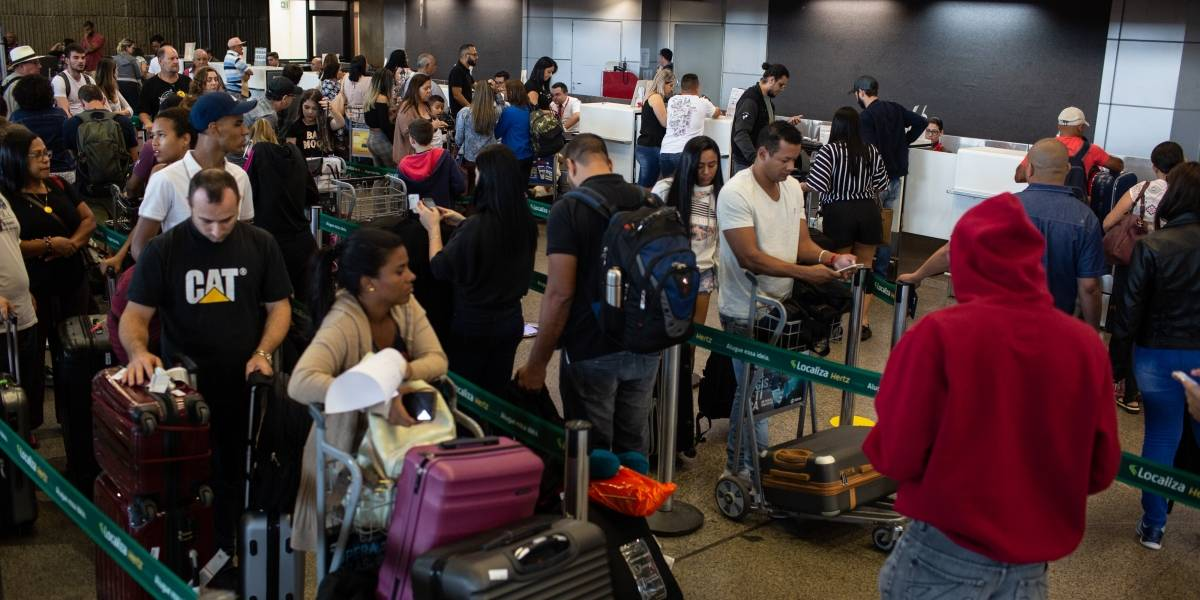 Tarifa de embarque em aeroportos brasileiros ficará mais cara; veja os valores
