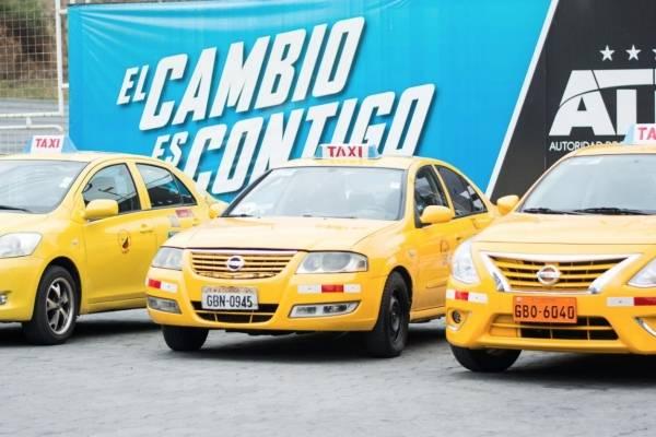 """""""Carrerita Segura"""": Taxis gratis para quienes se pasen de copas en estas festividades"""