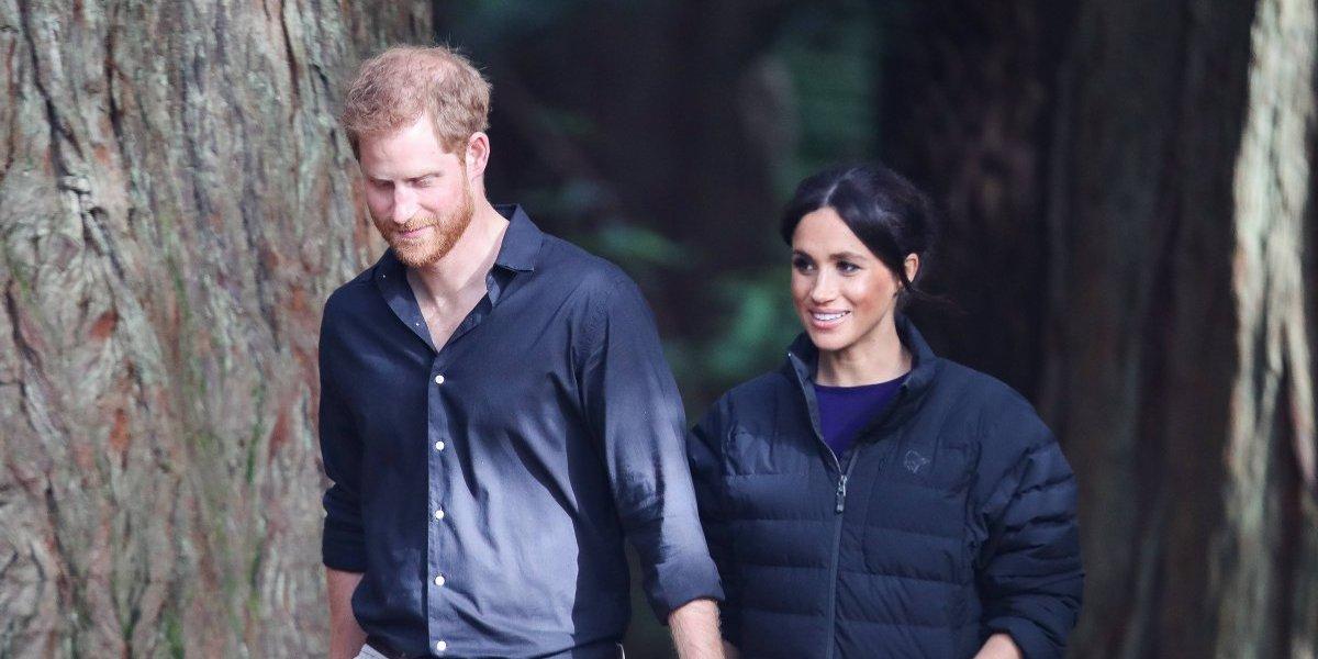 ¡Que románticos! La tarjeta navideña de Meghan Markle y el Príncipe Harry fue tomada el día de su boda
