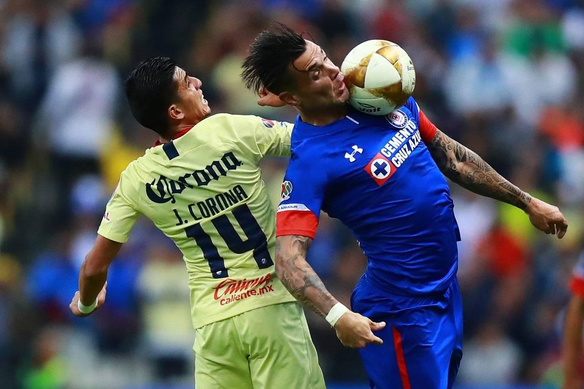 El larguero impidió el gol de Cruz Azul en los últimos minutos Getty images