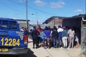 Vecinos se indignan por mascota baleada por la Policía