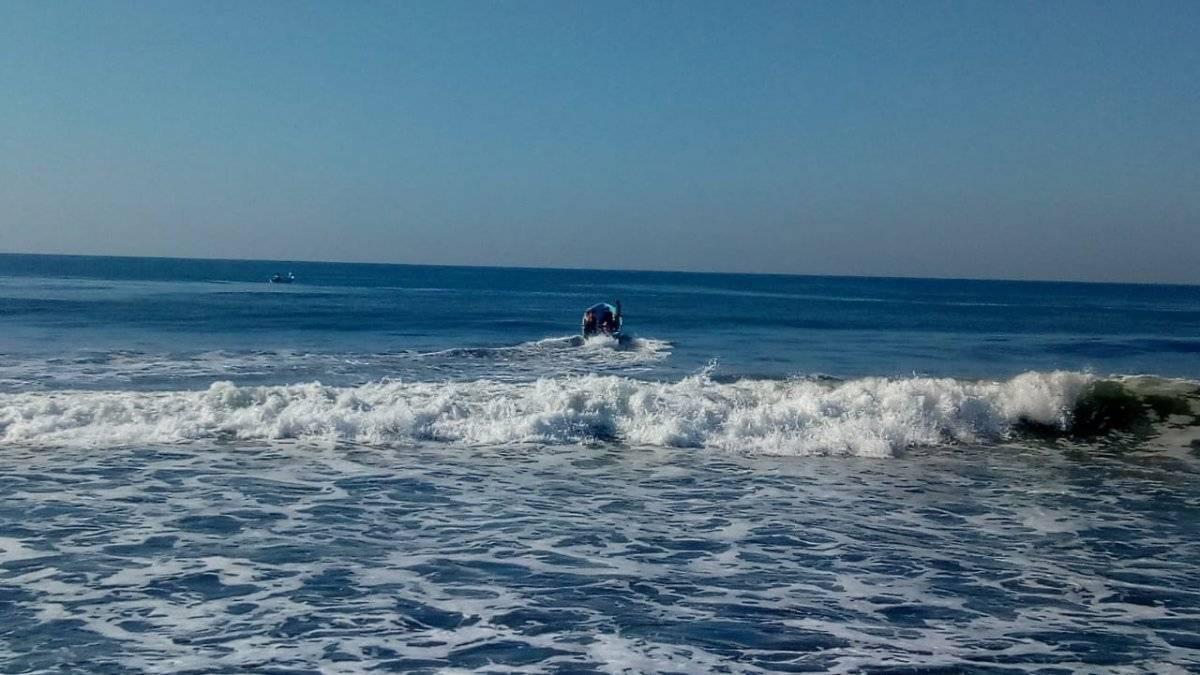 Buscan a joven desaparecido en playa de Santa Rosa. Foto: Conred