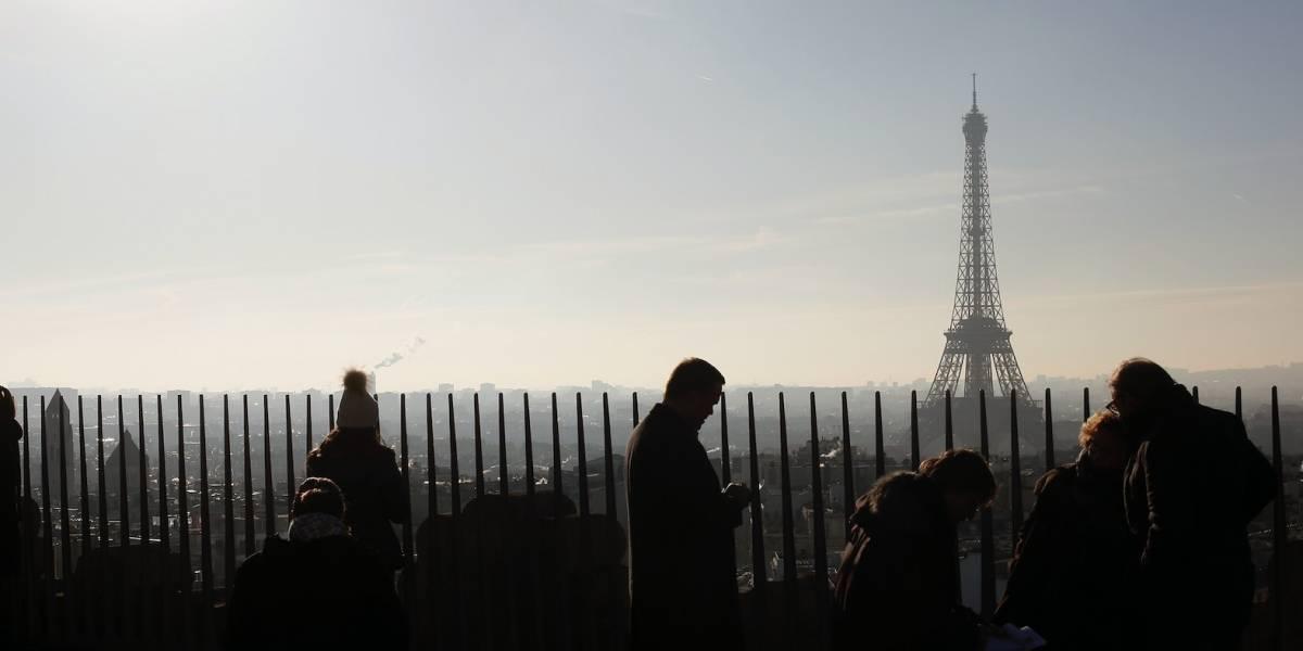 Presidente de Francia pide calma ante posibles protestas