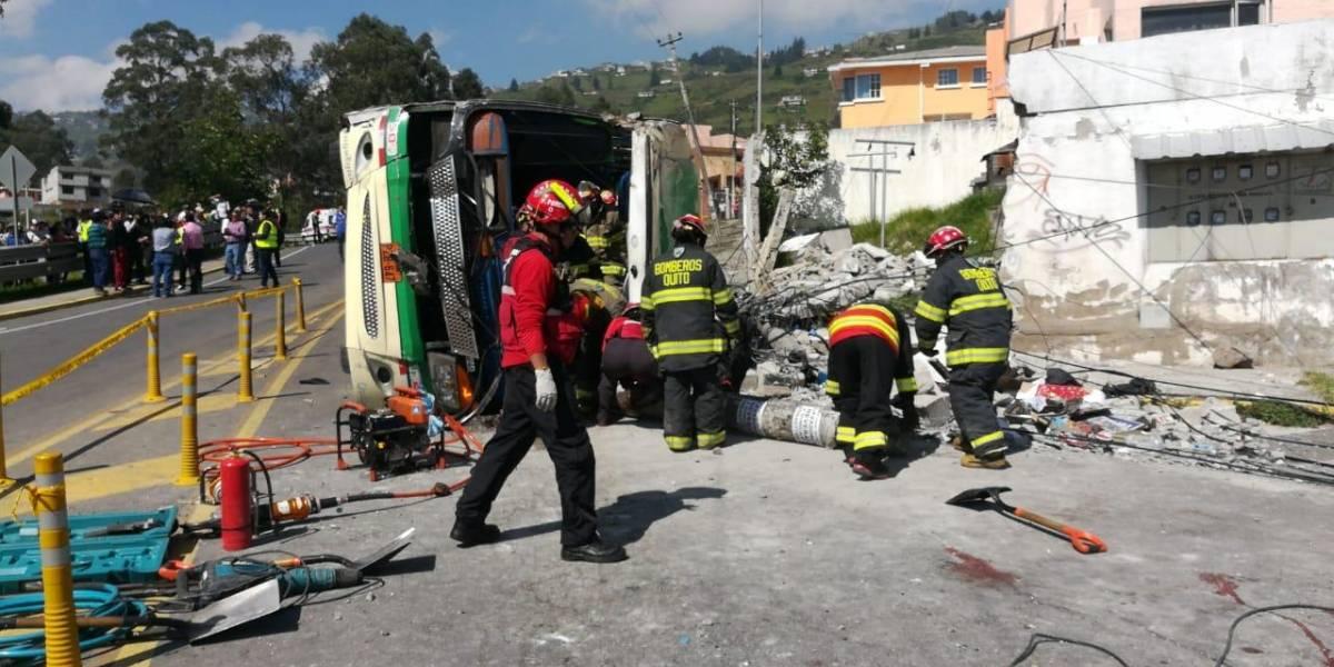 Nueva actualización: Esto es lo que se sabe del bus accidentado en Conocoto