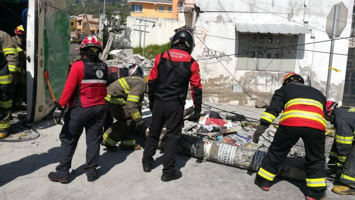 Accidente de tránsito deja cuatro muertos y más de 20 heridos en el sector de Conocoto BOMBEROS QUITO