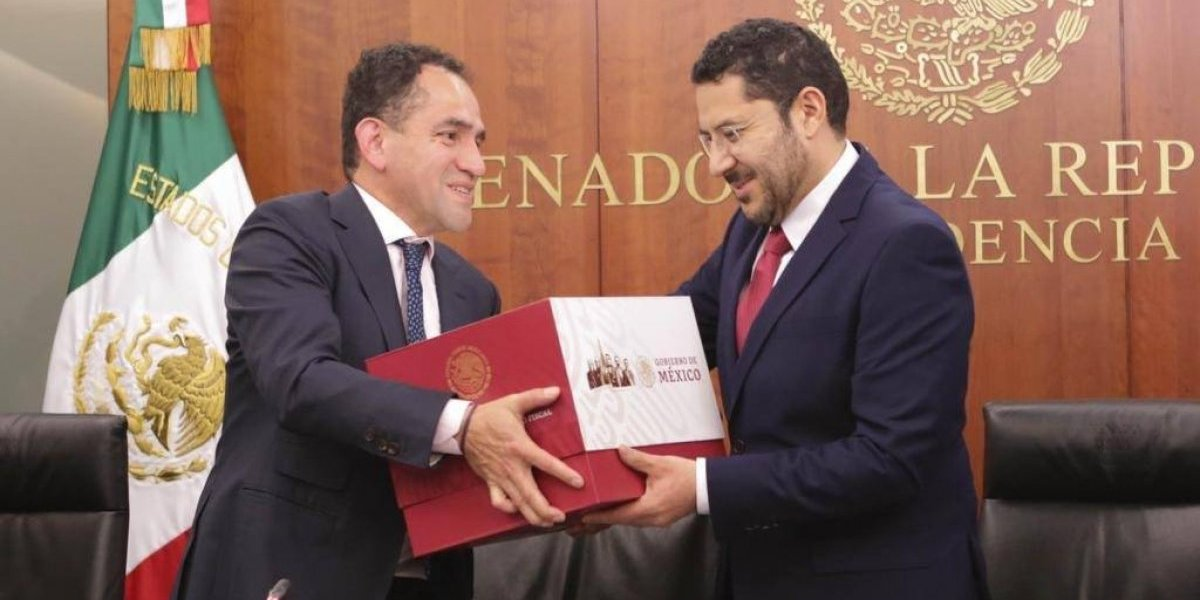Hacienda entrega al Senado Paquete Económico 2019