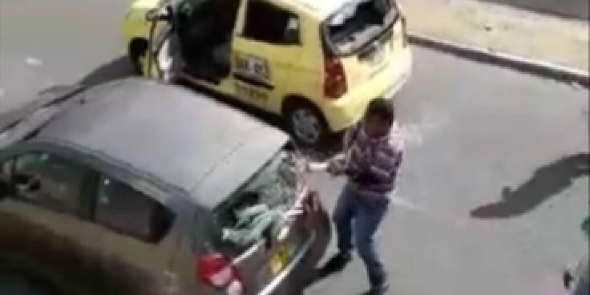 Taxistas hieren a dos personas por pensar que trabajaban con Uber