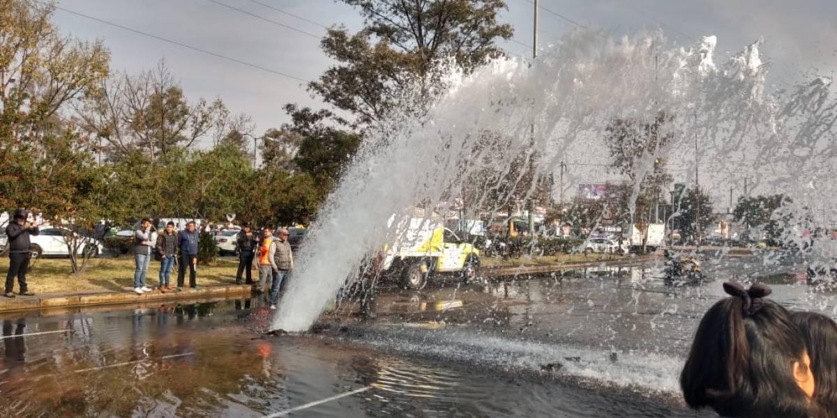 Controlan fuga de agua en Avenida del Imán; en Coyoacán