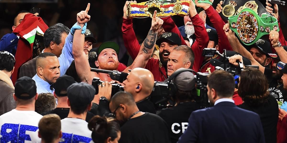 Canelo Álvarez terminó con Rocky Fielding en el Round 3
