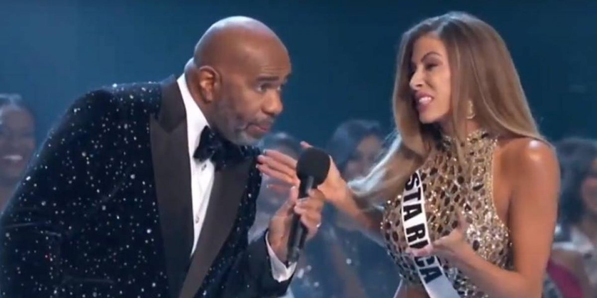 Miss Universo: Miss Costa Rica hace broma al conductor Steve Havey
