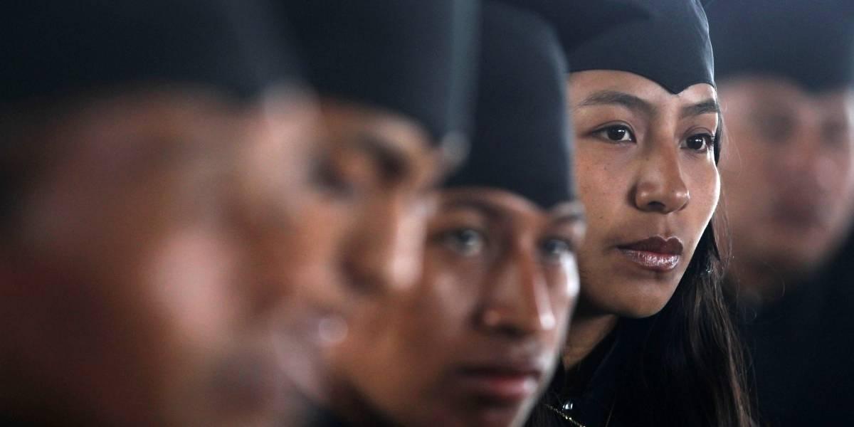 Del verde militar al negro toga: exguerrilleros de las Farc se gradúan