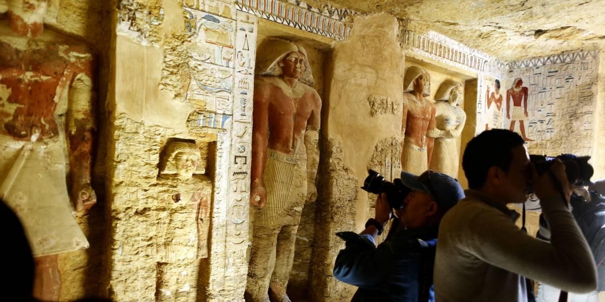 """""""Excepcionalmente bien conservados"""": tumba de hace 4.400 años es descubierta en Egipto"""