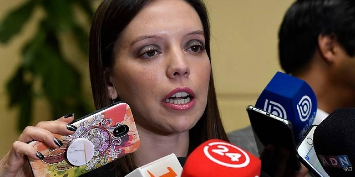 """Camila Flores llama a no tener miedo a reconocerse pinochetista : """"Yo soy una mujer valiente y les pido esa misma valentía a ustedes"""""""