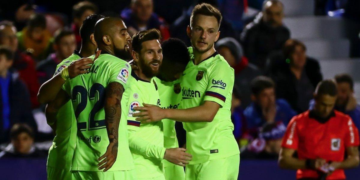 Arturo Vidal se vistió de asistidor en la fiesta de Lionel Messi contra Levante